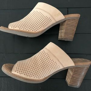 Almost New Toms Majorca Perforated Mule in Size 8
